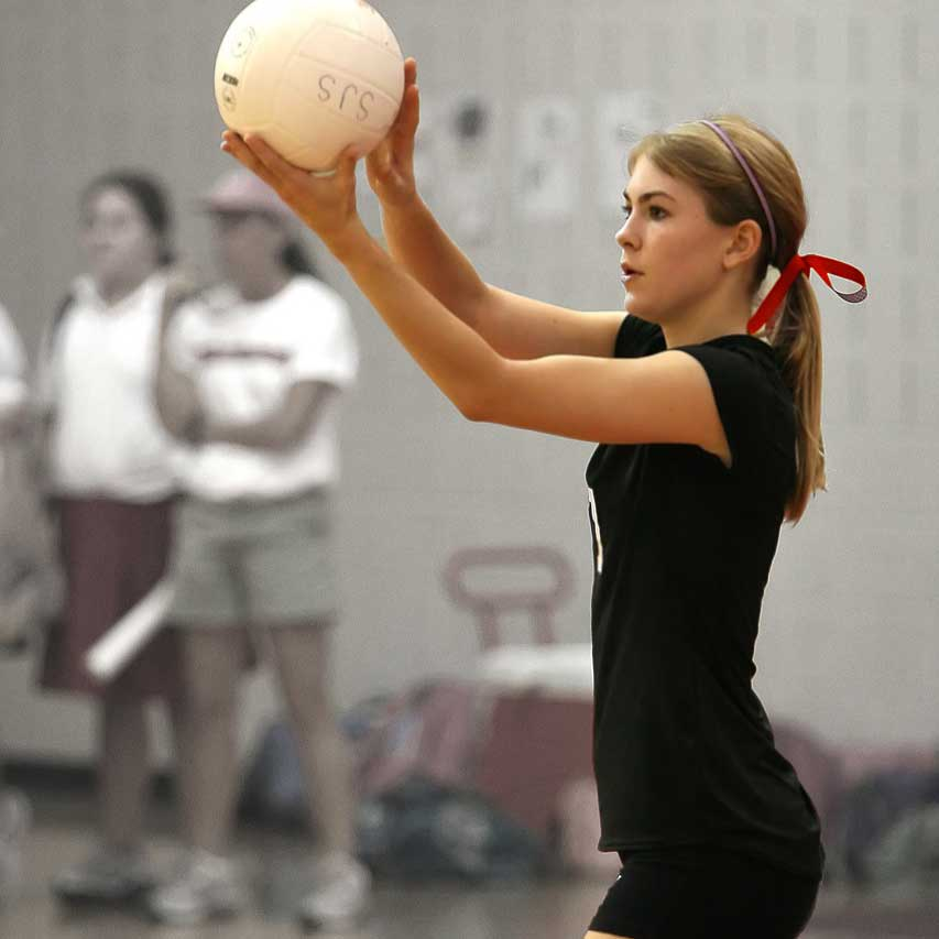 volleyball-girl-serving